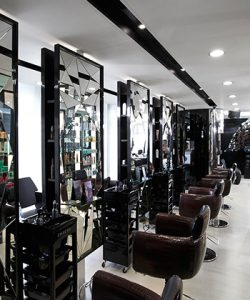 Mirrors-salon-new-inside